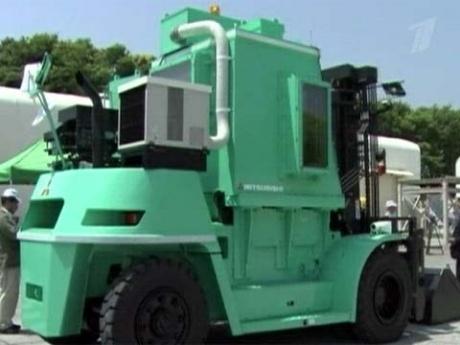 Экспериментальный погрузчик для уборки радиоактивного мусора на АЭС Фукусима-1'